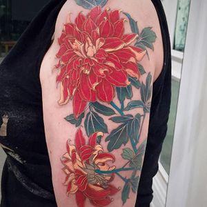 Chrysanthemum by Janice Bao Bao (via IG-janice_baobao) #painterlystyle #flower #flowers #janicebaobao #soft #feminine