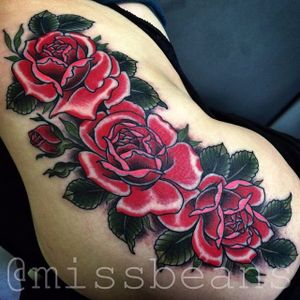 Rose Tattoo by Jessie Beans #rose #rosetattoo #colorfultattoo #traditional #traditionaltattoo #boldtattoos #brigthtattoos #JessieBeans