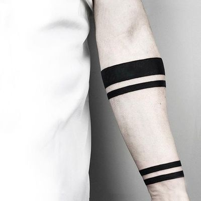 Black bands. (via IG - malwina8) #MalvinaMariaWisniewska #minimalist #blackwork