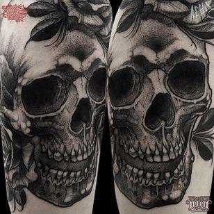 Skull Tattoo by Alex Underwood #skull #skulltattoo #blackworkskull #blackwork #blackworktattoo #blackworktattoos #blacktattoos #blackink #blackworkartists #AlexUnderwood