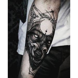Alternative black and grey tattoo by Krzystof Sawicki. #KrzystofSawicki #blackandgrey #alternativ #sketch #beast