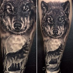 O lobo e a lua #RodrigoLobão #RodrigoRodrigues #brasil #brazil #tatuadoresdobrasil #brazilianartist #realismo #realism #lobo #wolf #lua #moon #arvores #trees