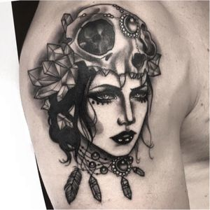 Dark neo traditional lady by Ccyle #Ccyle #neotraditional #jewellery #animalskull #lady