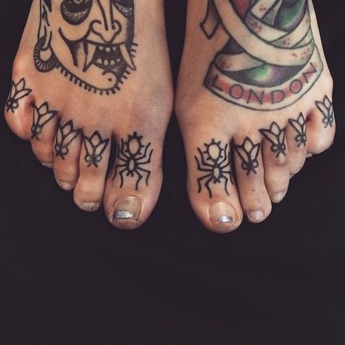 Insects toes tattoo by Adam Sage #handpoke #handpoked #AdamSage #handcrafted #insect #toe