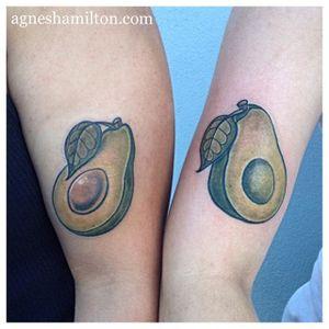 Matching avocado tattoos by Agnes Hamilton. #neotraditional #fruit #matchingtattoo #connectingtattoo #avocado #AgnesHamilton