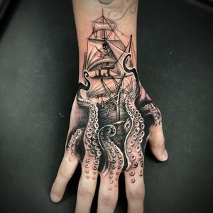 Octopus tattoo by Brittany McCoy #BrittanyMcCoy #octopus #blackandgrey #whiteink #pirate #pirateship #skull #skullandcrossbones #boat #ship #ocean #oceanlife #tentacles #tattoooftheday