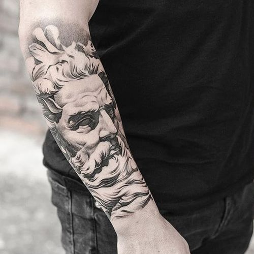 There's only one word for Dmitry Troshin's black and grey realism: godly.  Via Instagram mistertroshin #blackandgrey #DmitryTroshin #realism #zeus #statue #portrait #religious