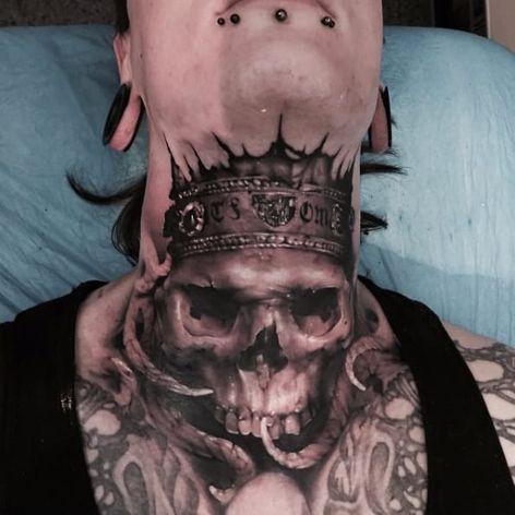 Bold skull tattoo by Neon Judas #NeonJudas #DavidRinklin #blackandgrey #realistic #realism #macabre #horror #skull