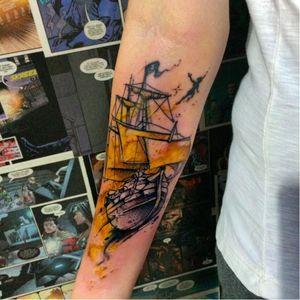 Por @johnneedle! #DisneyTattoos #TatuagemDisney #Disney #PeterPan #PeterPanTattoo #PeterPanTatuagem