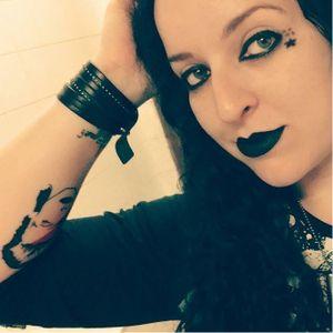 Samantha Thiesen. #mulhertatuada #mulheresdeatitude #tattoodobabes #brasil #brazil #portugues #portuguese