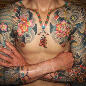 Sleeves and Juzu Beads by @horimomo on Instagram #juzu #juzubeads #buddhistprayerbeads #buddhism #prayerbeads #malas #Horimomo