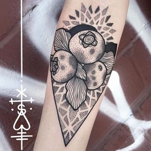Bold blackwork blueberry tattoo by Sarah Herzdame. #fruit #blueberry #botanical #flora #blackwork #dotwork #SarahHerzdame