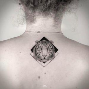 White tiger geometric tattoo by Mark Ostein #MarkOstein #blackworksubmission #blackwork #dotwork #lisbontattoo #blacktattooart #geometric #tiger #whitetiger #animal