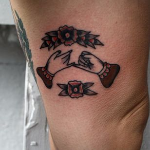 Tattoo by Ryan Jacob Smith #pinkypromise #friendshiptattoos #friendship #traditional #RyanJacobSmith