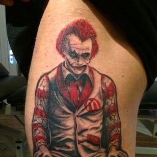 Heath Ledger as Ronald by Michael Vejlstrup (via IG -- mylle_tattoo) #MichaelVejlstrup #ronaldmcdonald #mcdonalds #mcdonaldstattoo