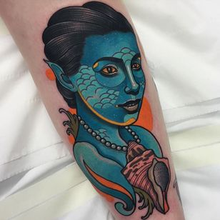 Nymph Tattoo by Piotr Gie #NeoTraditional #NeoTraditionalArtist #NeoTraditionalTattoos #ModernTattoos #BoldTattoos #PiotrGie