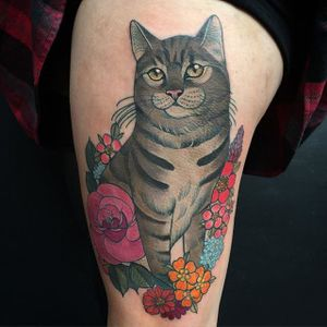 Cat and Flower Tattoo by Charlotte Timmons @charlotte_eleanor88 #color #illustration #neotraditional #cat #flower #charlottetimmons #charlotte_eleanor88
