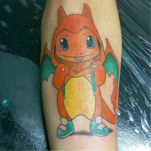 omg this is the cutest charmander ever. #charmander #pokemon #pokemontattoos #charmandertattoos