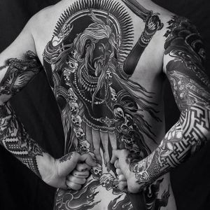 Costas incríveis por Alexander Grim! #AlexanderGrim #Kali #Cali #Kalitattoo #Calitattoo #hindu #hinduism #hindutattoo