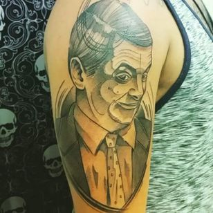 Mr. Bean by Du Souza (via IG -- dusouza.tattoo) #dusouza #mrbean #mrbeantattoo