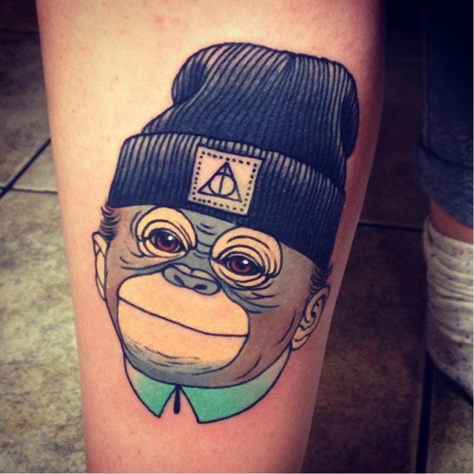Potterhead #AdrianEdek #macacotattoo #monkeytattoo #macaco #monkey #deathlyhallows #reliquiasDaMorte #chapeu #hat
