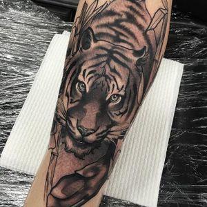 Tiger via instagram TimTavaria #tiger #bigcat #neotraditional #romantic #TimTavaria