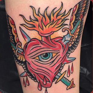 Sacred heart by Steve Byrne (Via IG - steve_byrne_tattoo) #daredevil #flash #traditional #stevebyrne