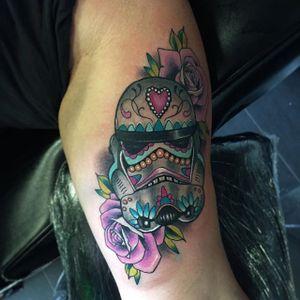Sugar Skull Stormtrooper Tattoo by Chris Byrne #stormtroopersugarskull #stormtroopertattoo #stormtrooper #sugarskull #sugarskulltattoo #dayofthedead #starwars #starwarstattoo #ChrisByrne