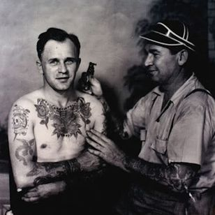 Bert Grimm tattooing one of his clients. #BertGrimm #tattoohistory #traditional