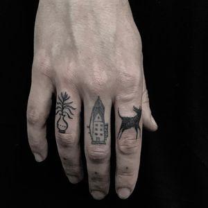 Delicate fingerling tattoos by Servadio #Servadio #favoritetattoo #blackwork #illustrative #plant #flower #vase #house #building #architecture #dog #animal