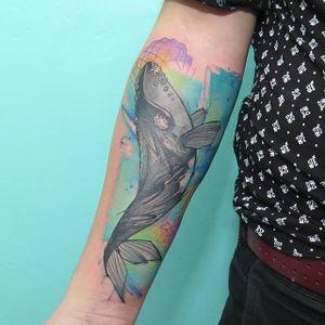 Illustrative watercolor whale cover up tattoo by Florenciz Gonzalez Tizon. #watercolor #FlorenciaGonzalezTizon #coverup #whale