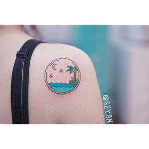 Summer paradise tattoo by Seyoon Gim. #SeyoonGim #seyoon #SouthKorean #microtattoo #summer #tree #sea