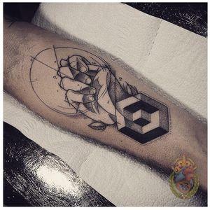 Qualidade que beira a perfeição #ApolonioLuz #tatuadoresbrasileiros #tatuadoresdobrasil #sketchtattoo #blackwork