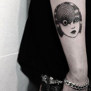 Dotwork tattoo by Kim HeyMin. #KimHeyMin #dotwork #fine #pointillism #junjiito #spiral #uzumaki #manga #horror