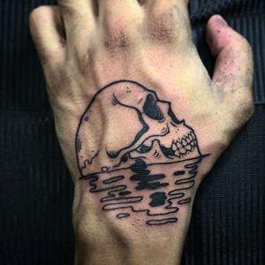 Awesome skull hand tattoo done by Tommy Lee. #Tommylee #109 #illustrativetattoo #blacktattoo #skull #skulltattoo