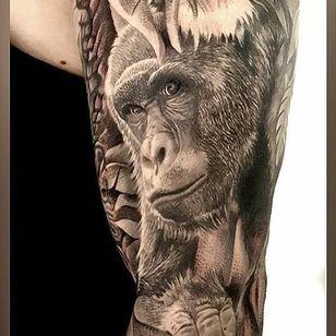 Realistic gorilla tattoo (via IG -- tattoosdotcom) #gorilla #gorillatattoo