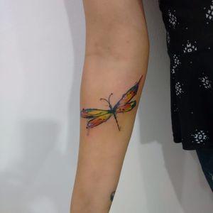 Libélula. #LucasFranca #TatuadoresDoBrasil #delicadas #delicate #fofas #cute #libelula #dragonfly #colorida #colorful #aquarela #watercolor