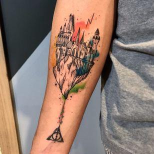 Hogwarts <3 #GustavoTakazone #brasil #brazil #brazilianartist #tatuadoresdobrasil #aquarela #watercolor #sketchstyle #estilorascunho #hogwarts #harrypotter #castelo #castle #nerd #geek #movie #filme #pontilhismo #dotwork