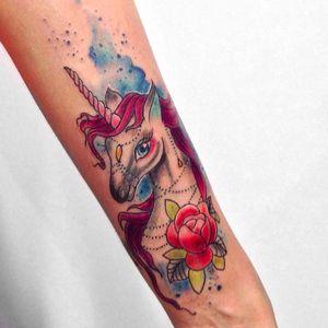Por Roberto Felizatti! @Roberto_felizatti #RobertoFelizatti #Unicorn #Unicornio #UnicornTattoo #UnicornioTatto #Tatuagem #TatuagemColorida #Aquarela #Watercolor #WatercolorTattoo #tatuagemaquarela