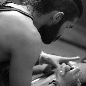 Jefree Naderali at work (via IG-jefreenaderali) #surreal #blackandgrey #fine #jefreenaderali