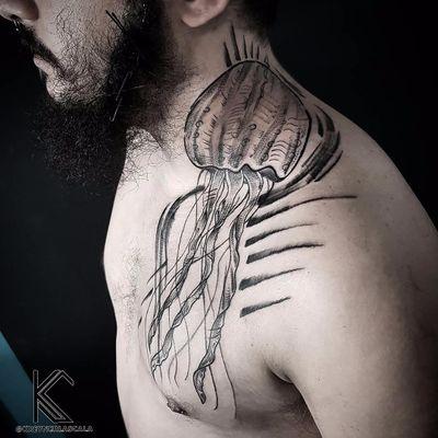 #KreynerLaScala #brasil #brazil #brazilianartist #tatuadoresdobrasil #balckwork #pontilhismo #dotwork #aguaviva #jellyfish