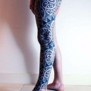 Freehand Tattoo by Curly Moore #FreehandTattoos #FreehandTattoo #FreehandTattooArtist #Blackwork #Tribal #Geometric #Patternwork #FreehandBlackwork #CurlyMoore