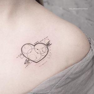 Heart tattoo by Valerij Shatalov #ValerijShatalov #smalltattoos #blackwork #linework #dotwork #arrow #heart #valentine #love #shapes #geometric #circle #tattoooftheday
