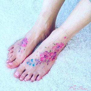Feet Tattoo by Pis Saro @Pissaro_tattoo #PisSaro #PisSaroTattoo #Nature #Watercolor #Naturetattoo #Watercolortattoo #Botanical #Botanicaltattoo #Crimea #Russia