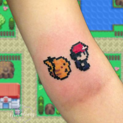 Pokémon! #Drikalinas #AdrianaVentieri #nerd #geek #culturapop #TatuadorasDoBrasil #pokemon #ash #pikachu #pixel #colorida #colorful #gamer #games