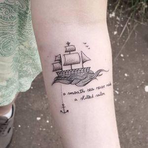 Ancora fofinha de Akauã Pasqual! #AkauaPasqual #ancoras #anchor #tatuadoresdobrasil #fineline #traçofino #barco #ship