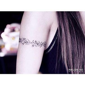 Floral armband tattoo by Helen Xu via Instagram @helenxu_tattoo #minimalism #flower #fineline #HelenXu #flowers #armband #linework