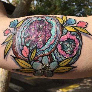 Geode Tattoo by Ashley Lehman #geode #geodecrystal #crystal #rock #nature #naturedesign #AshleyLehman