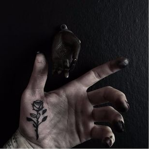 Rose tattoo by Caroline Vitelli #CarolineVitelli #blackwork #rose #palm