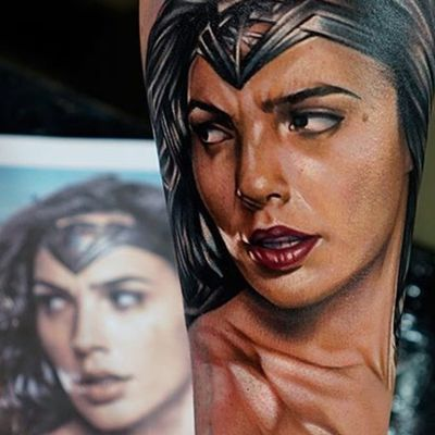A portrait of Gal Gadot as Wonder Woman by Khan (IG—khantattoo). #comicbookcharacters #DC #Khan #GalGadot #portraiture #realism #WonderWoman